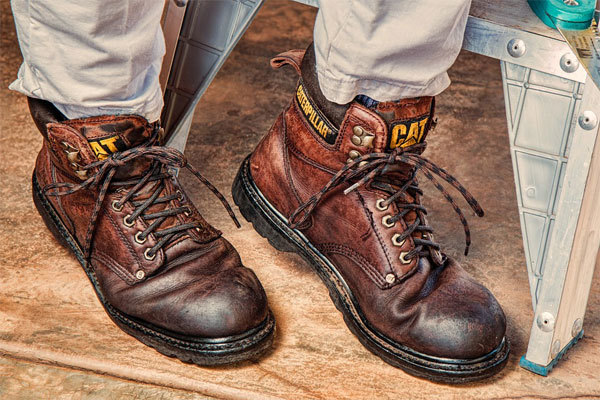 best-work-boots-for-plumbers